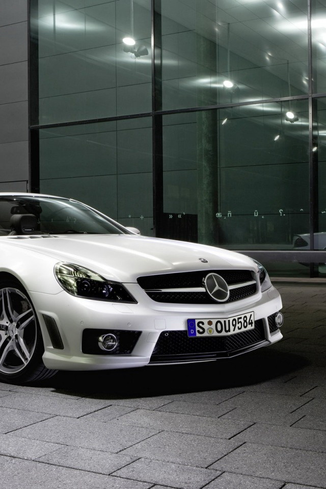 Mercedes Benz SL63 AMG White